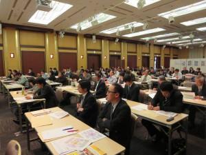 6次産業化事業の今後の取り組みポイントについて学ぶ参加者