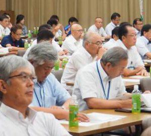 准組合員対策緊急対策に臨む参加者(27日、熊本県合志市で)