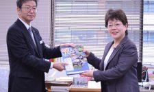 【贈呈】農業や食の教材 県内の小学校に/農林中金熊本支店