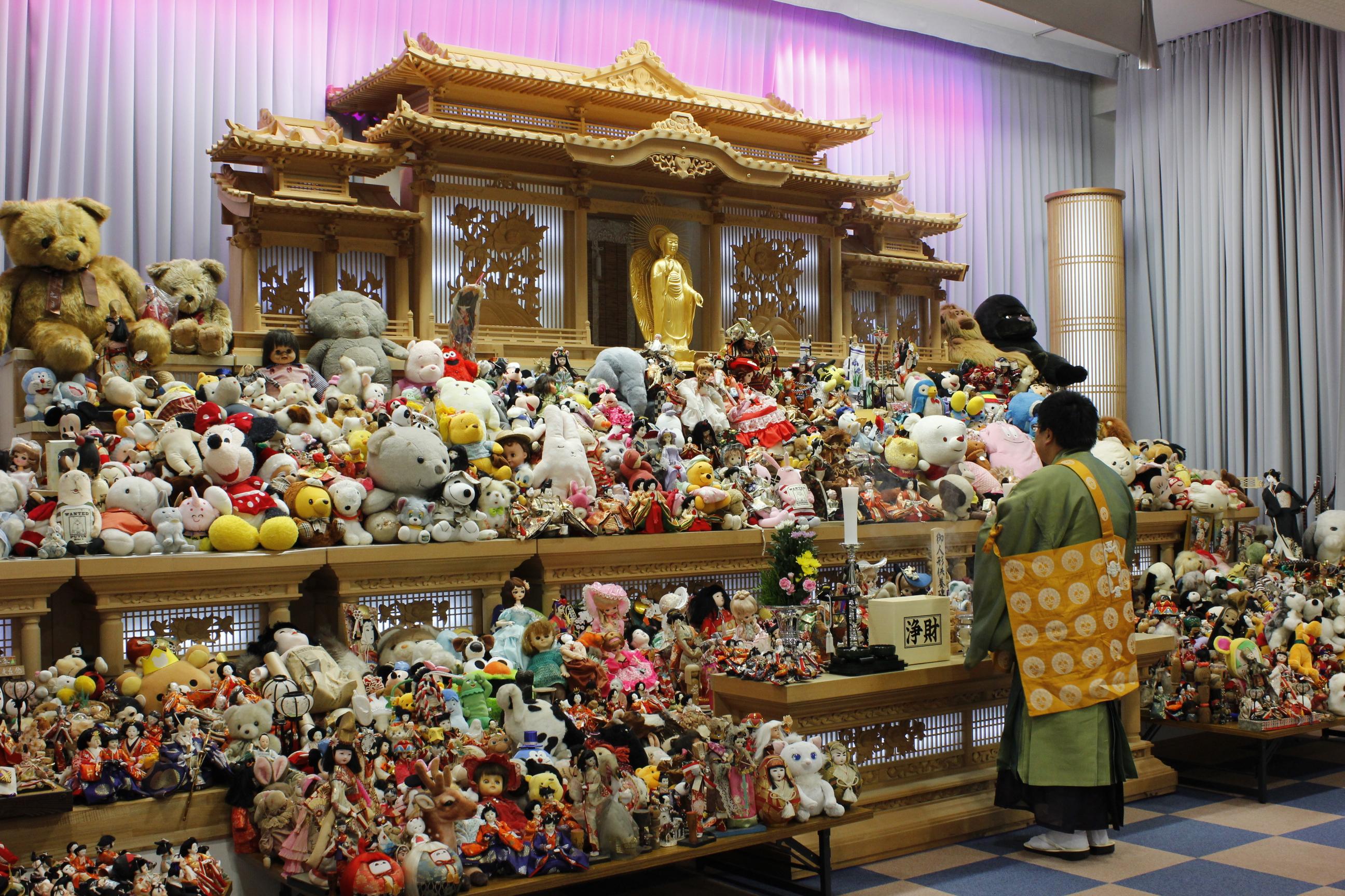 写真: 人形供養祭(供養料は無料です)
