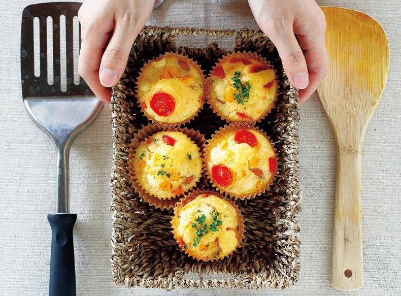 写真: お食事系スイーツ♪米粉で夏野菜チーズマフィン