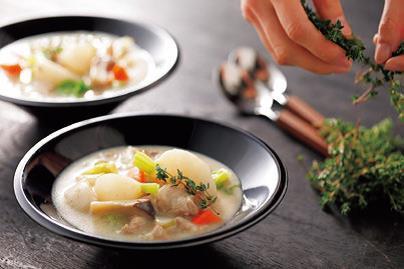 写真: 冬野菜たっぷり中華風とろ~りスープ