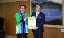 【新茶】知事に新茶贈る/JA熊本経済連