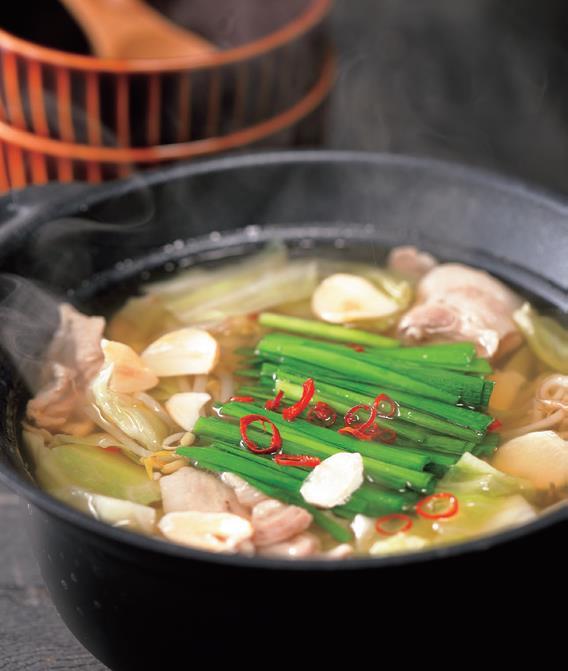 写真: 豚肉でカンタン!もつ鍋風スープ