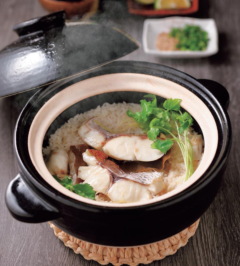 写真: 切り身で簡単!土鍋で鯛めし